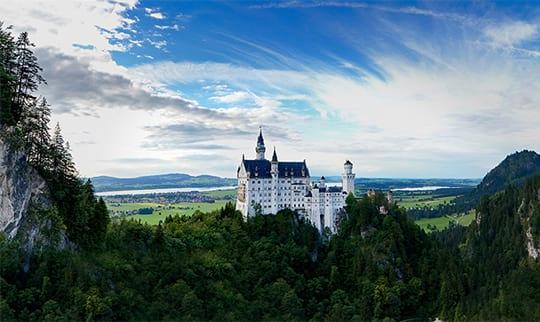 Aussicht auf das Schloss Neuschwanstein bei Füssen