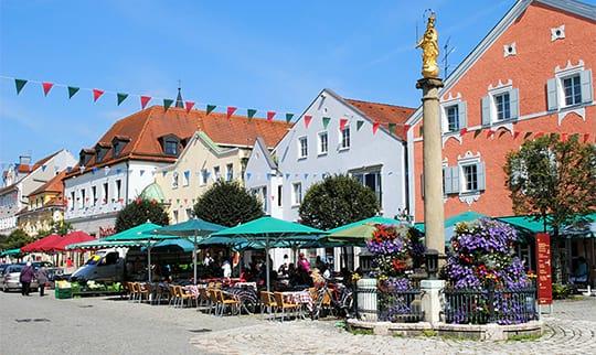 Marktplatz in Kelheim in Niederbayern