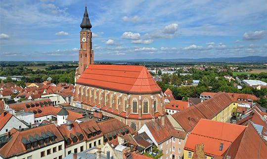 Kirche im Stadtzentrum von Straubing